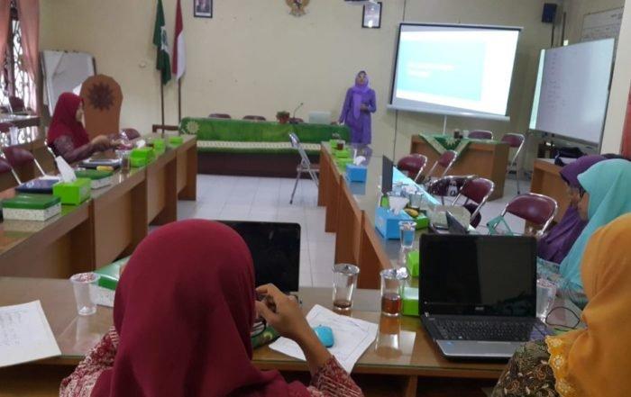 Tim Dosen FSBK Gelar Pelatihan Penulisan Artikel dan Fotografi Dasar di PWA Yogyakarta