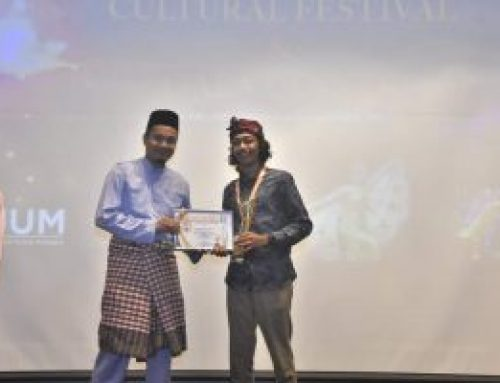 Mahasiswa Ilmu Komunikasi sebagai Social Media Influencer Award Asean University Youth Summit