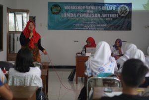 Prodi Sastra Indonesia UAD gelar Workshop Penulisan Kreatif dan Lomba Penulisan Artikel bagi Pelajar SMA se-Temanggung, Jawa Tengah